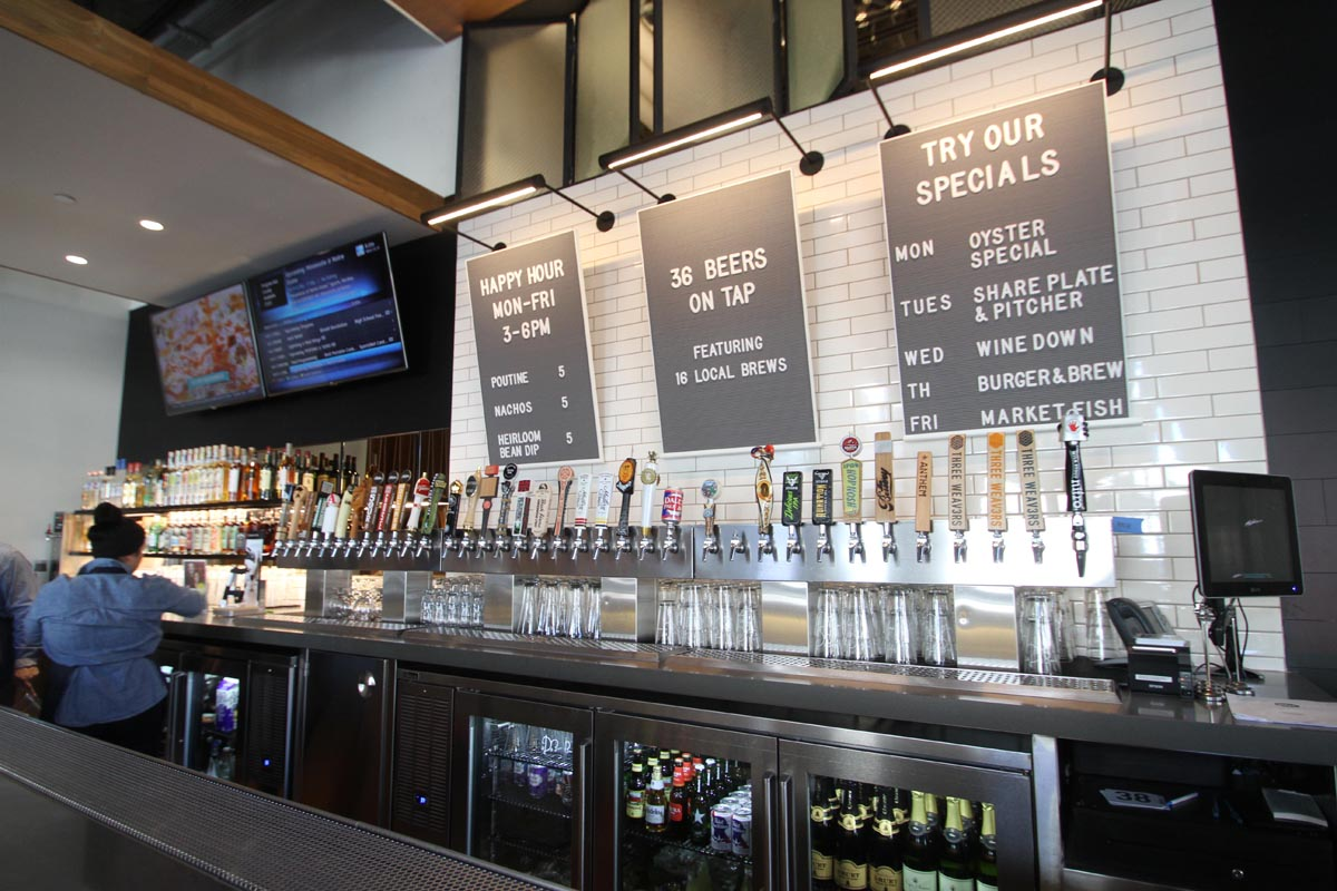 whole-foods-downtown-la-bar-counter